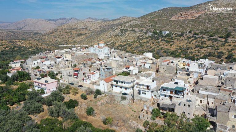 Το μεσαιωνικό χωριό της Ελάτας από ψηλά (vid)