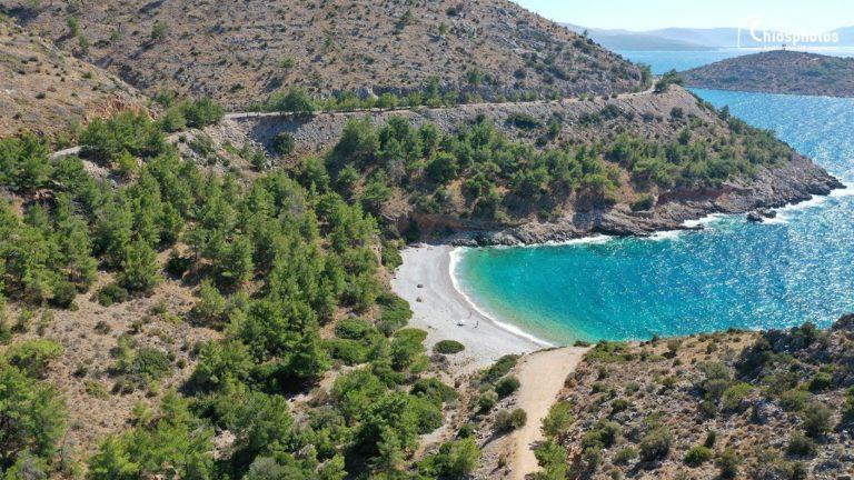 Γυάλι – Η μαγική παραλία της Δυτικής Χίου με τα γαλαζοπράσινα νερά (vid)